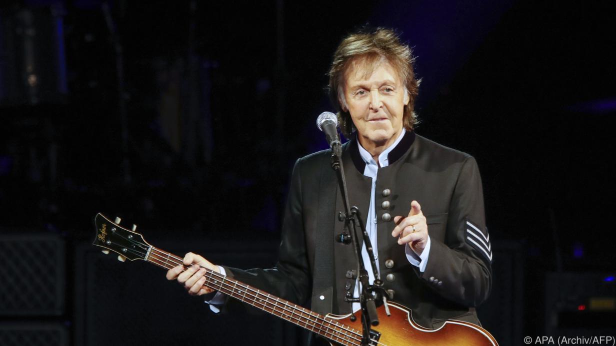 Ex-Beatle Paul McCartney holt Enkel gerne von der Schule ab