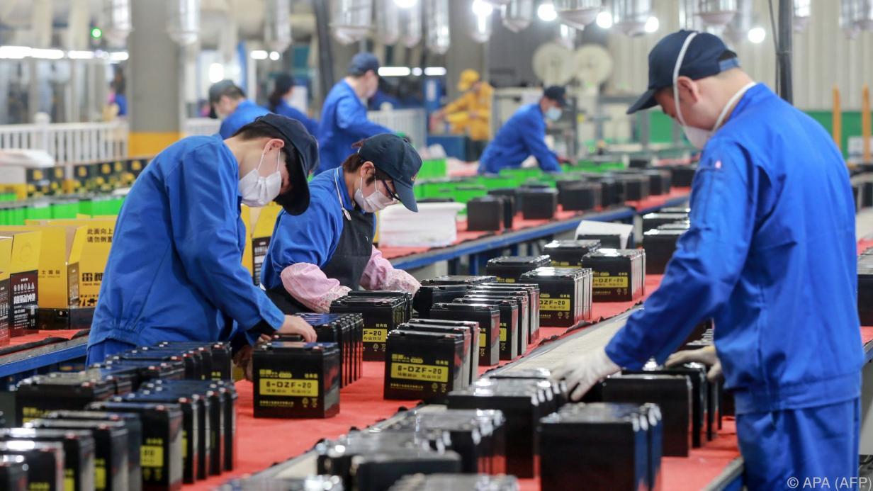 Stimmung in Chinas Industrie erholt sich von Rekordeinbruch