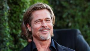Brad Pitts Neue Freundin Nicole Poturalski Soll Verheiratet Sein