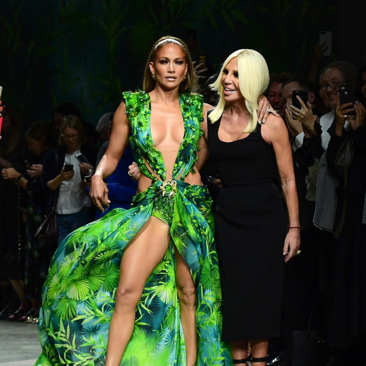 j.lo und versace feiern das legendäre grüne kleid