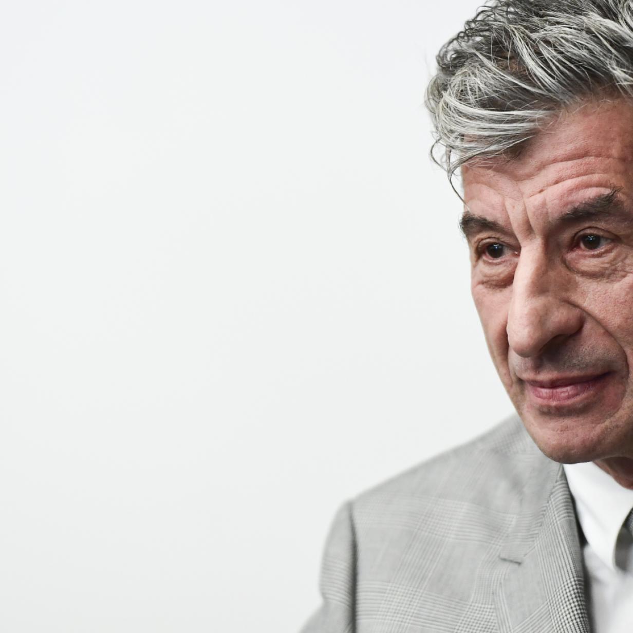 """Maurizio Cattelan: """"Es ist mir total egal, dass die Banane gegessen wurde"""""""