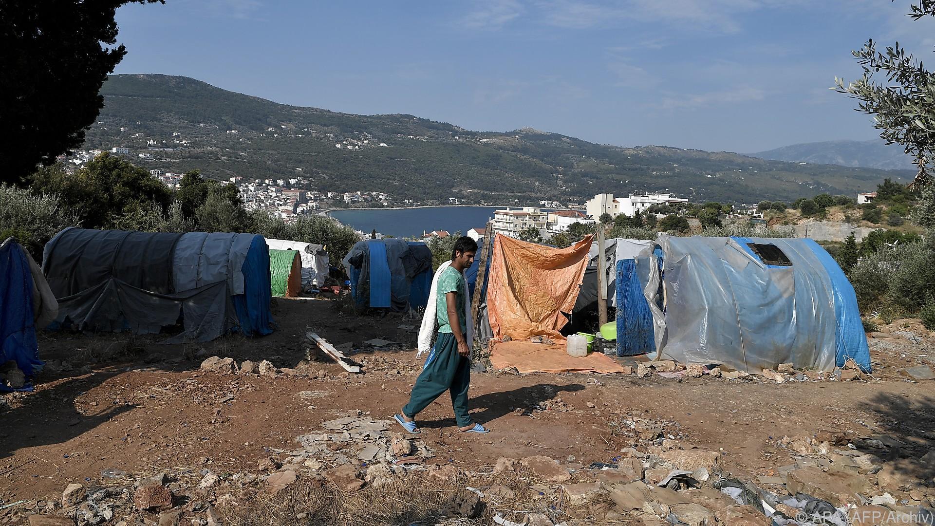 Migranten nach Ausschreitungen auf Samos festgenommen