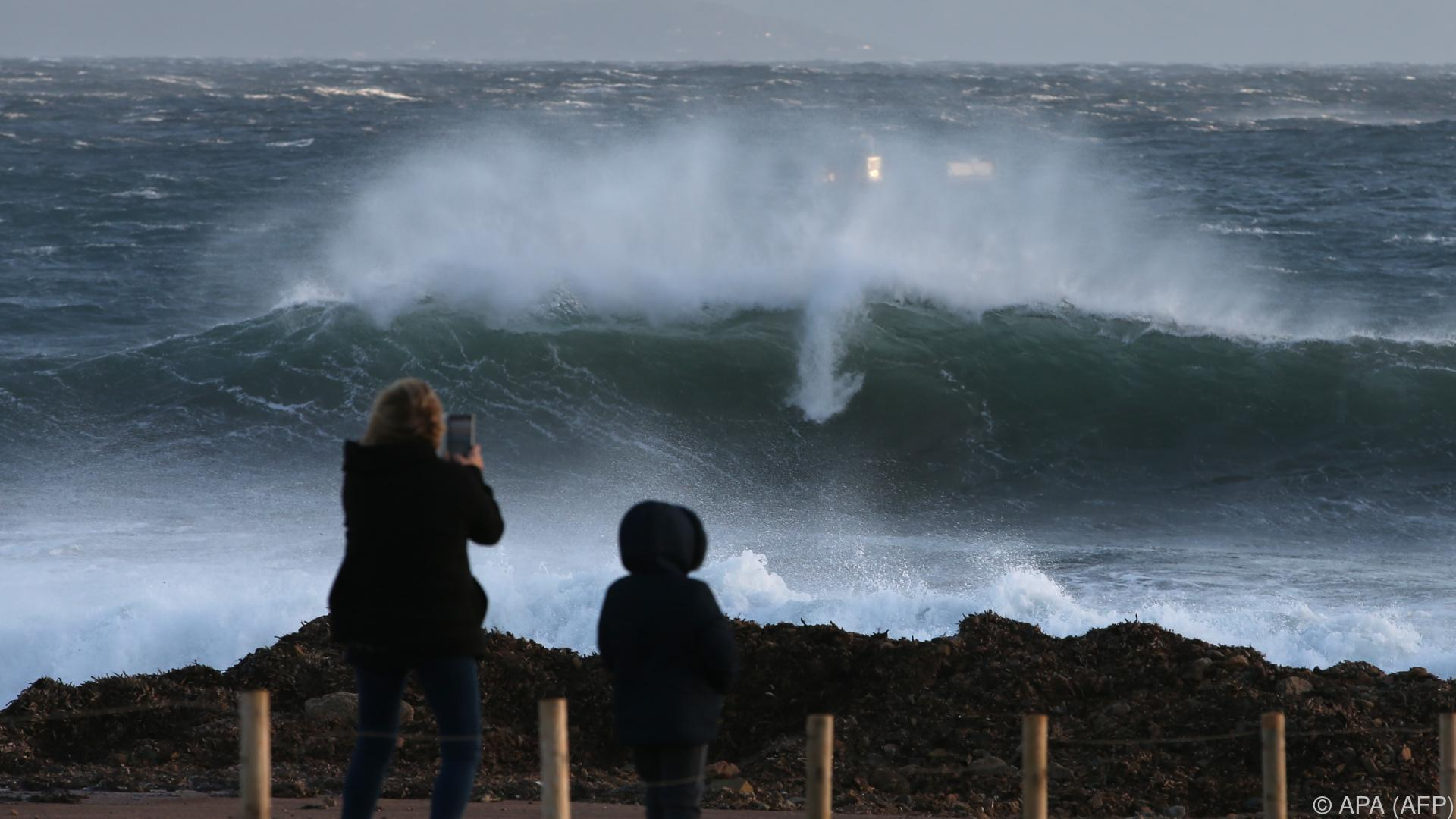 Heftige Sturmböen in Frankreichs Südwesten