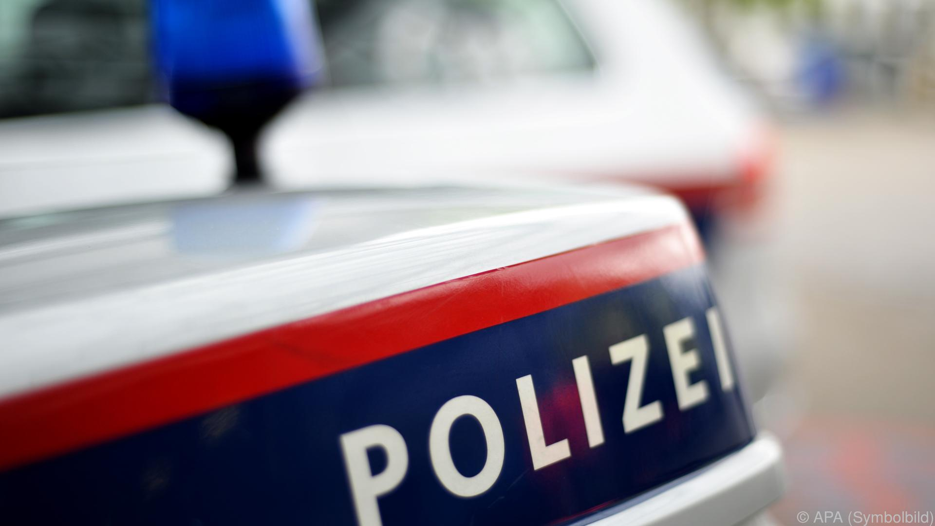 Pkw erfasst Fußgängergruppe in Kärnten: Ein Toter, Verletzte