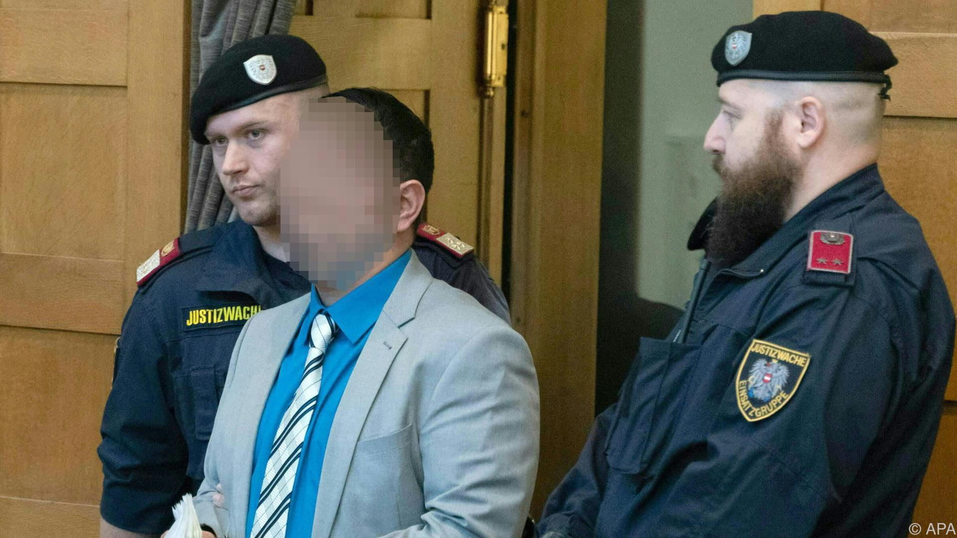 Erstochener Amtsleiter - Urteil im Mordprozess erwartet