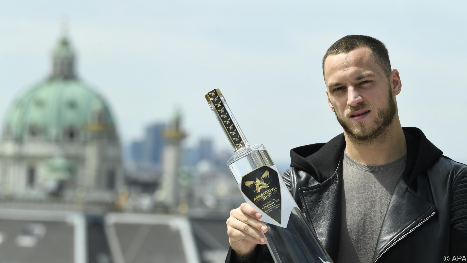 Fußballstar Marko Arnautovic bringt Gin auf den Markt