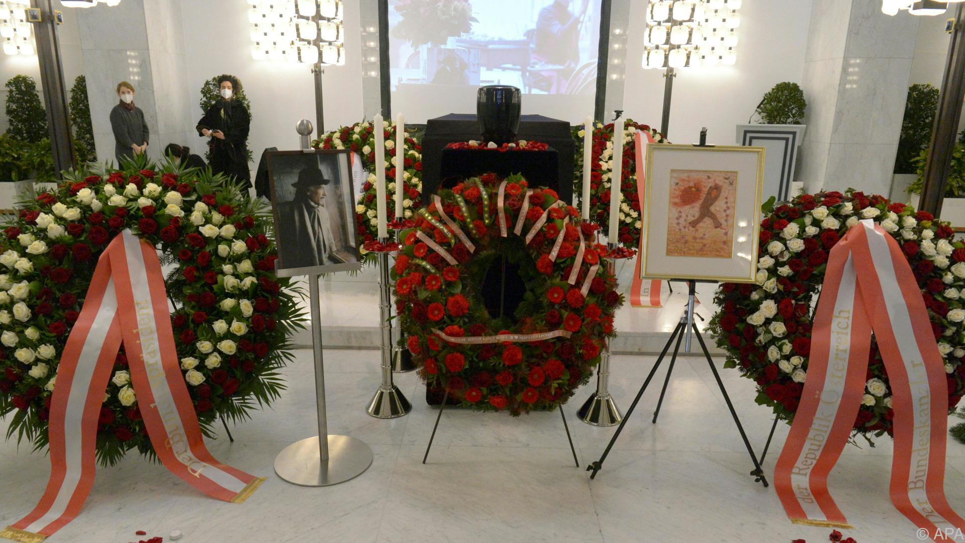Arik Brauer am Wiener Zentralfriedhof verabschiedet